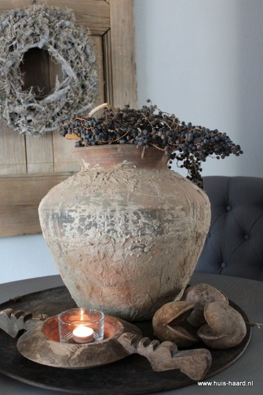 Oude terracotta waterkruik / waterpot