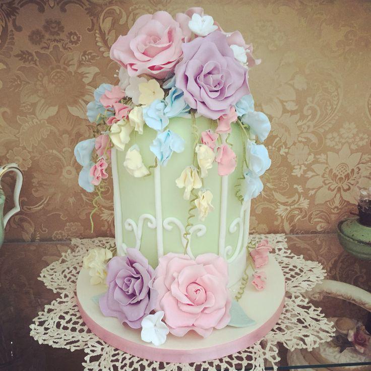 Vintage flowers birdcage cake dummy