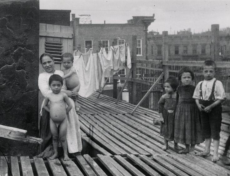 Resultado de imagem para imigração nova york 1900 jacob riis