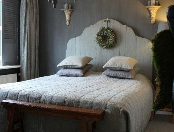 design-rustique-pour-la-tete-de-lit-dans-la-chambre-a-coucher-ikea-tete-de-lit-fabriquer-tete-de-lit