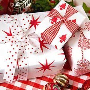 Cute gift wrap.....Red Stamp on white paper with gingham and dots..: Finding Gifts, Gifts Ideas, Http Berryvogue Com Gifts, White Paper, Http Findanswerhere Com Gifts, Red Stamps, Christmas Wraps Paper, Gifts Wraps R, Christmas Gifts
