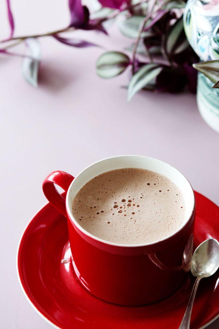 En god och värmande chokladdryck som bjuder på en intensiv, men len, chokladsmak tack vare smöret.