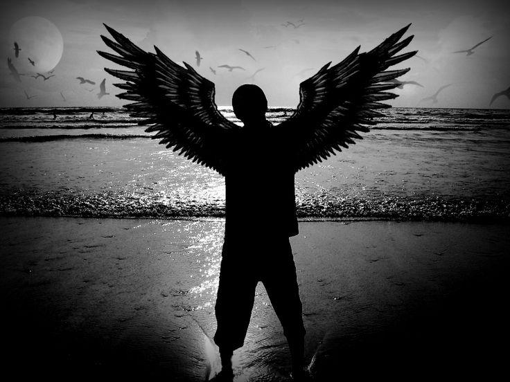 Новые, черно белые картинки ангелов мужчин