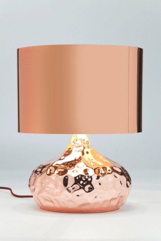 Tischleuchte Rumble Copper von Kare Design im topaktuellen Kupferlook. Die unebene Oberfläche verleiht der Leuchte einen individuellen Charme.    #lampe #tischlampe #kare #kupfer #stilvollwohnen #karedesign #moebelpower #moebeltraeume #moebel #möbel