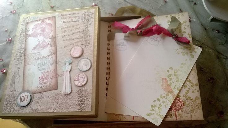 Tarjetas de Cumpleaños con tarjetas ambientadas para compartir mensajes y sentimientos en caligrafía hecha a mano, presentadas en caja decorativa.