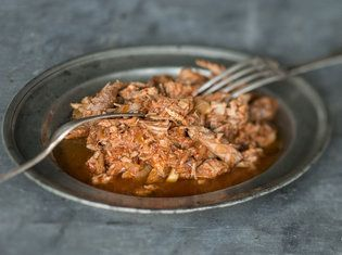 Slow Cooker Pulled Pork_mag