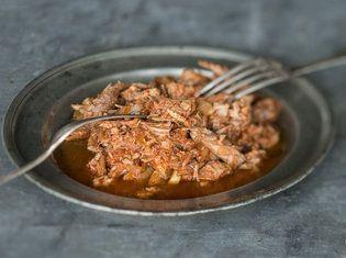Slow Cooker Pulled Pork_mag