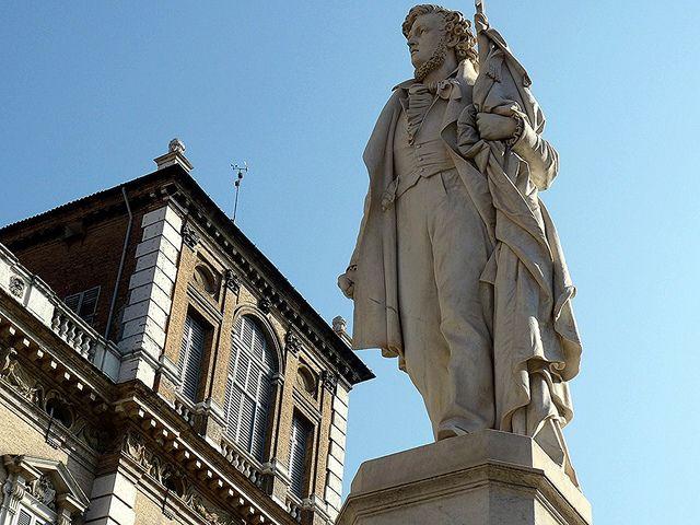 Statua di Ciro Menotti Piazza Roma, Modena