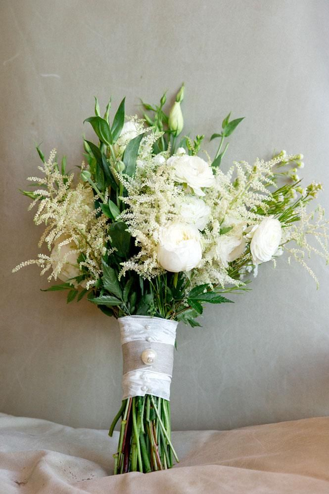 Gorgeous green and white bouquet by Poppy Lane Design. Wedding design by @Gibson Events. Photo by Josh McCullock Photo & Films. #wedding #bouqeut #white