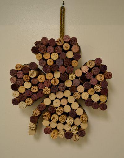 DIY: Wine Cork Shamrock #Chirish