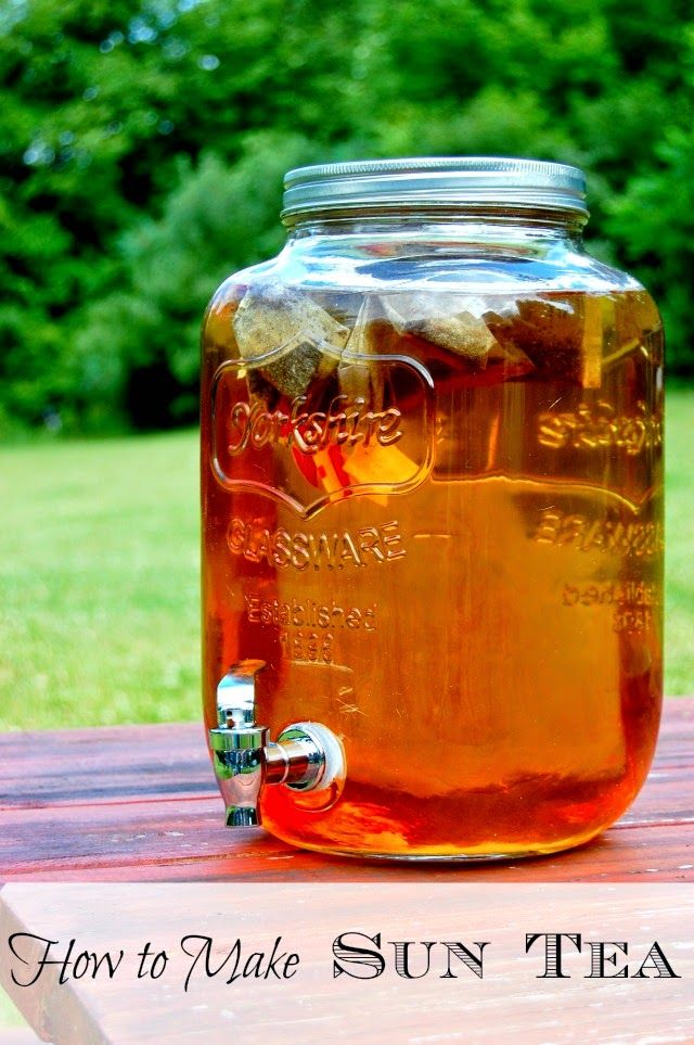 How To Make Sun Tea - so easy and inexpensive. You can keep it in the fridge! #suntea #icedtea