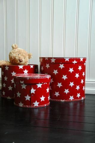 Röd förvaringsbox med vita stjärnor