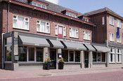 """Hotel Brabant Hilvarenbeek  Description: Hotel Brabant ligt op vijf minuten lopen van het centrum van Hilvarenbeek. Een gezellig en gemoedelijk hotel met een prettige sfeer waar men gastvriendelijk wordt ontvangen en zich onmiddellijk thuis voelt. Hotel Brabant beschikt over ruime 2 persoonskamers (met douche toilet en tv) en nette kamers voor 1 en 2 personen met vaste wastafel. Hotel Brabant is een """"no-nonsense hotel waar de gasten de sterren zijn"""".Overige informatie- Het hotel beschikt…"""