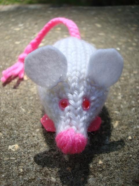 Amigurumi Lab Rat : 17 Best images about Crochet - K - AA - Mice on Pinterest ...