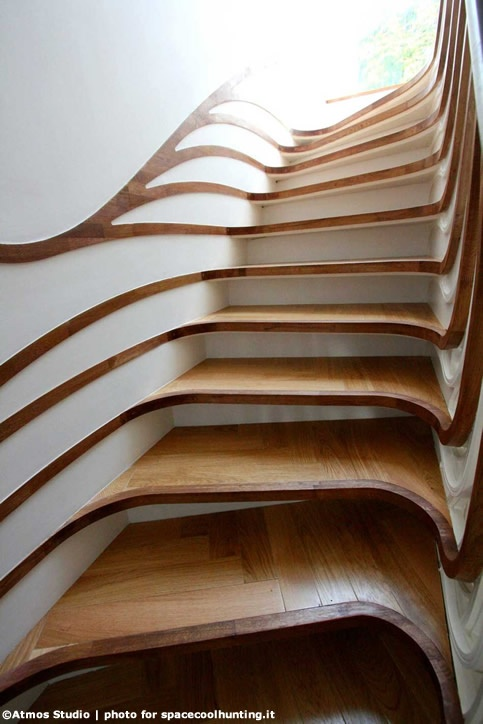 Atmos Studio – London, UK – designed 081-23MR-STAIRS for a house in the London Neighbourhood of Chapman, a sculptured wooden staircase revisiting the style and the dramatic character of Art Nouveau in a contemporary version.