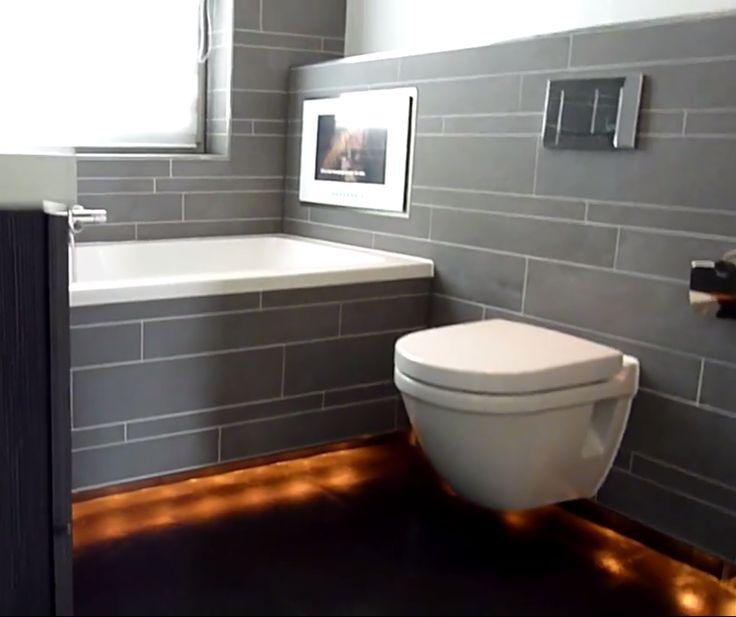Mooie verlichting onder bad en toilet