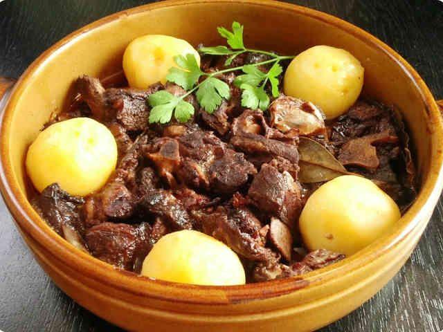 ポルトガルの★ラム肉の赤ワイン煮込み★の画像