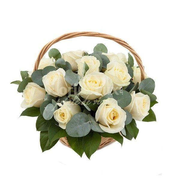 Cos cu 25 trandafiri albi! Un cadou simplu si de efect, alege acum acest cadou!
