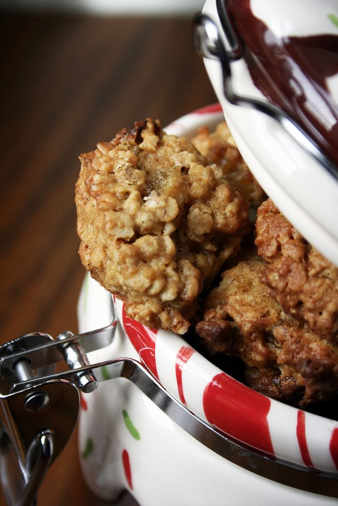 Jamie Oliver oatmeal and raisin cookies