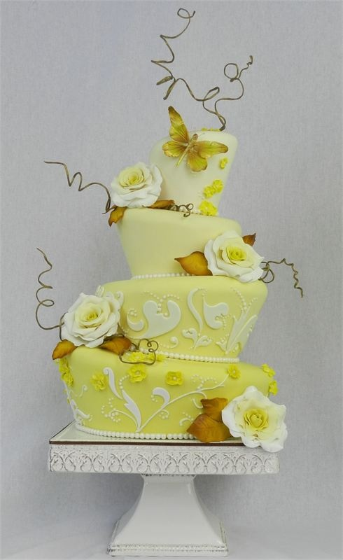 Simple Wedding Cake Yello