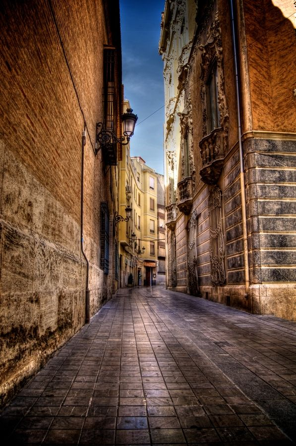 Valencia, Spain, is a beautiful mix of old and very modern buildings. We're looking forward to our second visit when Silver Spirit stops here.