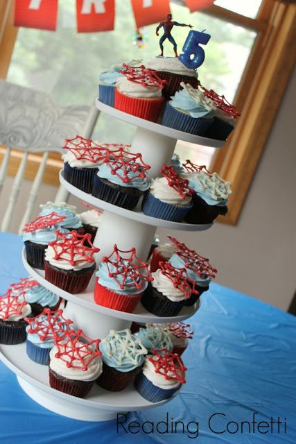spiderman party ideas | Spider web cupcakes, favor bags, and more ideas for a DIY Spiderman ...