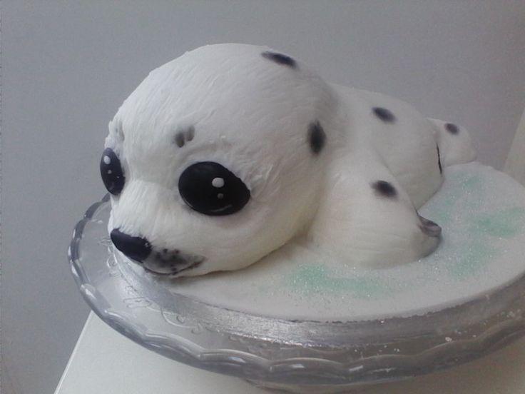 It S A Cake Baby Seal Pup Fondant Cake Soooo Cute