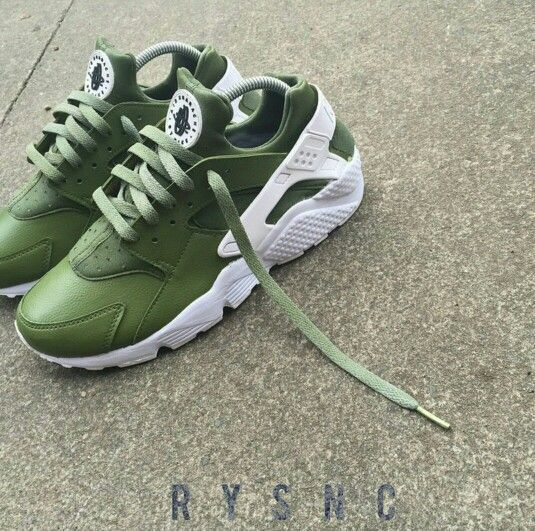 nike huarache green and white