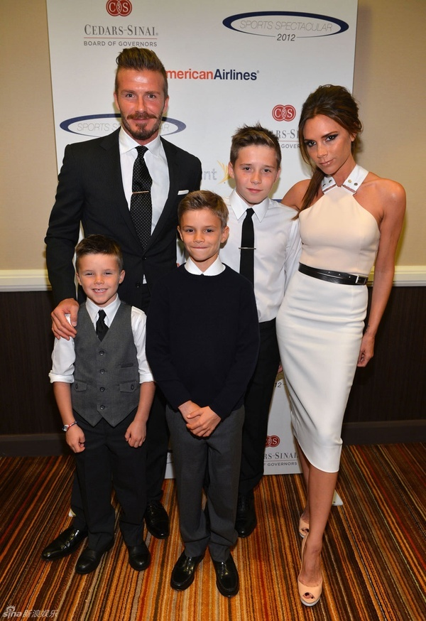 David Beckham & Victoria Beckham with their boys