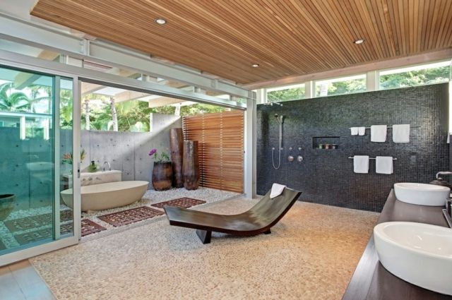 Spacieuse salle de bains luxe à la deco zen