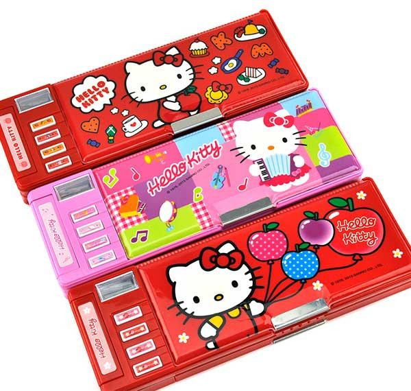 Hello Kitty Automatic Pencil Box Deluxe // omg, I remember when pencil boxes were THE thing. I had a Disney Princess one that had so many compartments...