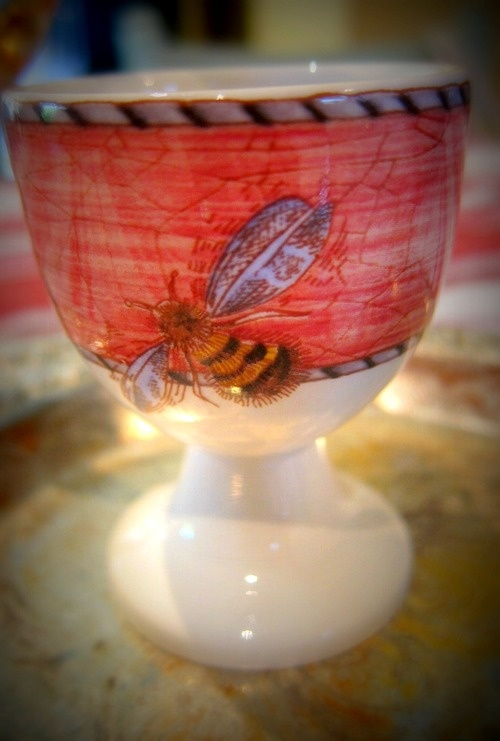 Wedgwood Sarah's Garden Egg Cup with bumblebee - Easter Decorating