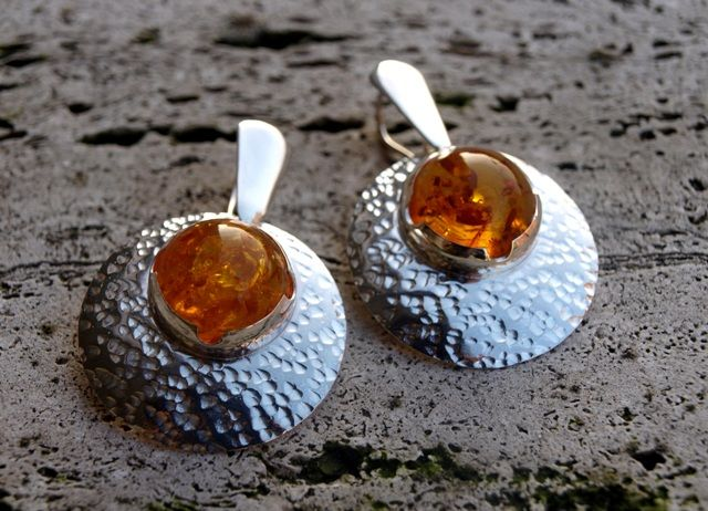 Le Metissage | Silver convex earrings with amber (cod.OR.AG.46)