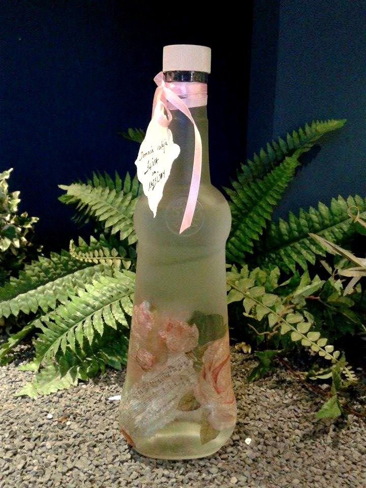 Aria Bottle