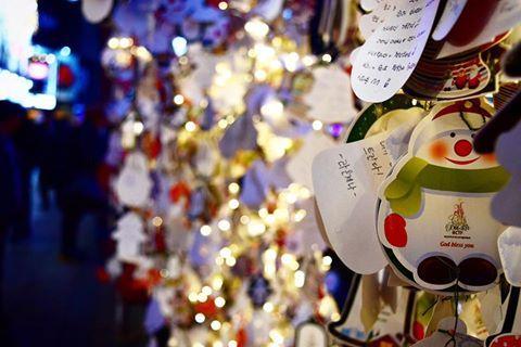 海外では12月25日を過ぎてもクリスマスモードのところが多いですね  イタリアもそうでした クリスマスの雰囲気をもう一度楽しみたい方は年末年始に海外で過ごされるのもいいかもしれません #정월 #1 월 #한국 #부산 #소원 #밤 #문화 #이벤트 #겨울 #일본인 #요리사 #도쿄 #레스토랑 #공부 #여행 #Natale #studio #cultura #Corea  #viaggiatore #viaggio #Asia #Christmas #Event #Korea #tokyo #三軒茶屋 #イタリアン #ペペロッソ #文化   | 三軒茶屋のイタリアン「ペペロッソ(PepeRosso)」(パスタ・郷土料理・ワイン)