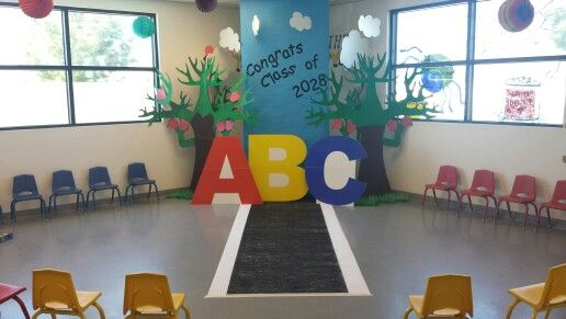 Preschool graduation graduation and backdrops on pinterest - Kindergarten graduation decorations ...