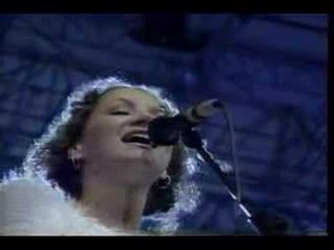 Joan osborne -from the Pavarotti & Friends for War Child CD (Modena, Italy 1996)- features full orchestra backed performance of Saint Teresa