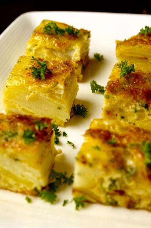 Tortilla de patatas (Spaanse aardappel omelet) - LoveMyFood