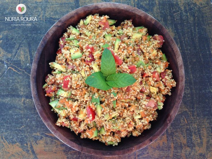 Cuscus de mijo, aguacate, zanahoria y tomate