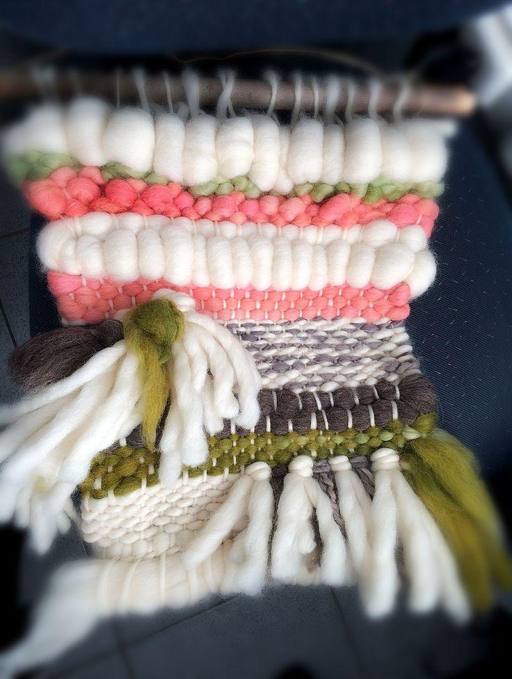Telar fueguino ! Handmade wool blankets