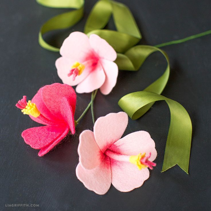 Diy Felt Hibiscus Flower Video Tutorial Lia Griffith Felt Flowers Felt Flowers Diy Flower Video Tutorials