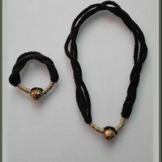 Collier + bracelet en laine et perle dorée ou bronze au choix fait main en france