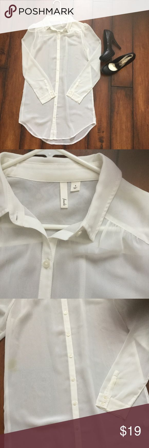 Frenchi blouse Frenchi blouse. White colored. Good condition, has a slight spill pictured in the last pic. Can get it out when it's dry cleaned. Barely noticeable. Super cute to wear with leggings and heels Frenchi Tops Blouses