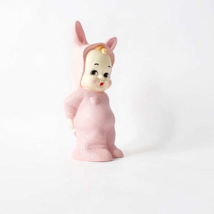 Cool Our cheeky vintage signature Bunny has been recreated to a unique and exclusive vintage style lamp