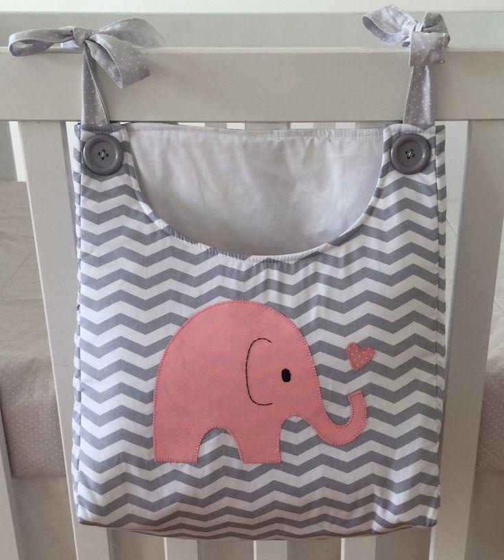 Porta fraldas para compor o quarto do seu bebê.  Fazemos nas cores e/ou tema do…