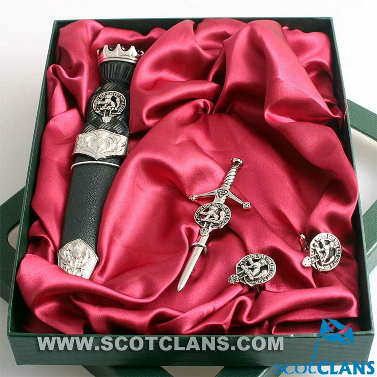 MacIntosh Clan Crest Kilt Accessory Set