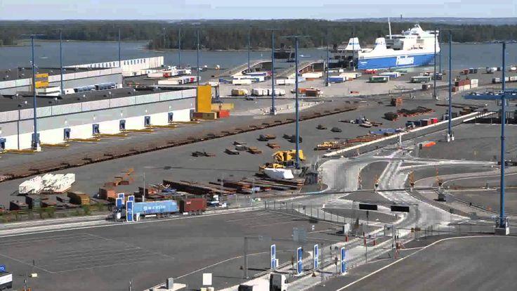 """Itämeren valuma-alue on noin neljä kertaa suurempi kuin Itämeren pinta-ala. Alueella tuotetaan valtavasti ruokaa ja aluella elää noin 90 miljoonaa ihmistä. Video """"Itämeri ja ruoka"""" kertoo, millä tavalla yksittäiset ihmiset voivat ruokaan liittyvillä valinnoillaan vaikuttaa ruoantuotantoon ja sitä kautta myös Itämeren tilaan."""