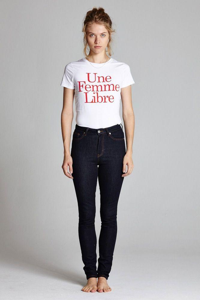 Une Femme Libre T-shirt | l'école des femmes