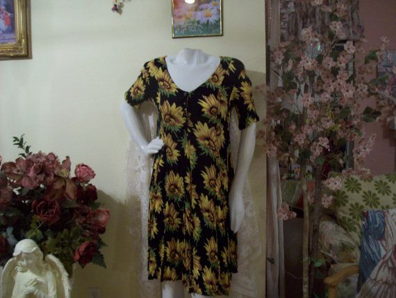 SUNFLOWER DRESS Beautiful Sunflowers on a by CarriageHousBoutique