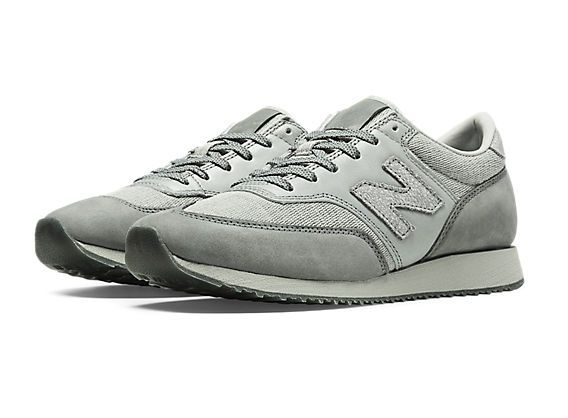 Our women's NB Grey 620 keeps things chic with a mix of materials in complementary grey tones. The perfect balance between classic and of the moment, it feels at home with both jeans and dresses.
